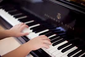 piano hands steinway