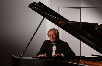 Sergei Polusmiak at the piano