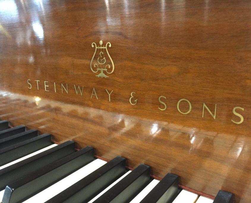 "Steinway & Sons Model M 5'7"""