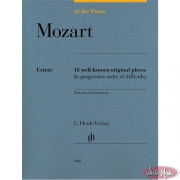 Mozart – At The Piano: 15 Well-Known Original Pieces HN1812