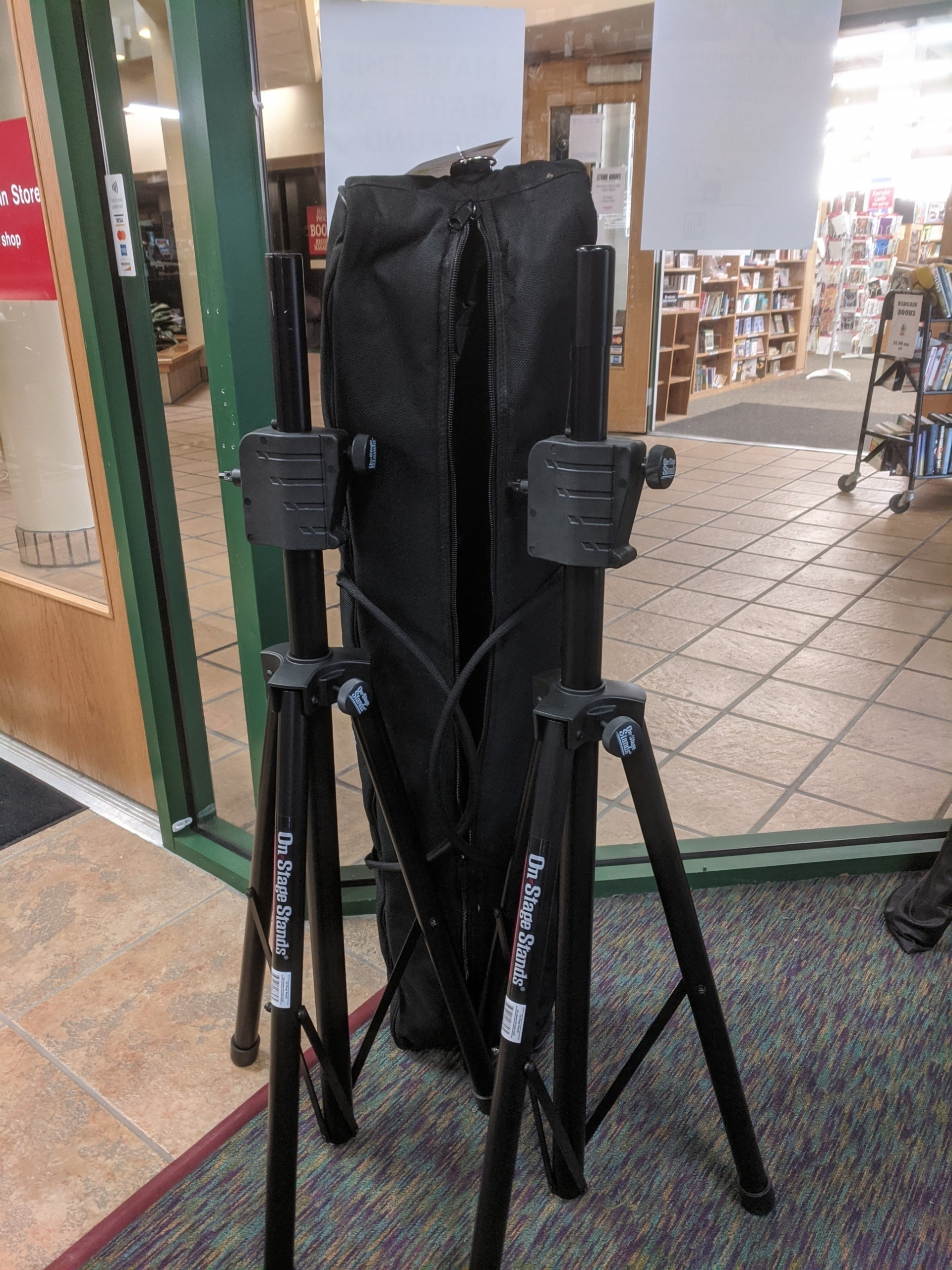 Used On-Stage CRANK-UPSpeaker Stands w/ Case